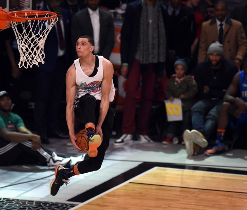 Zach Lavine throws down a dunk during the dunk contest